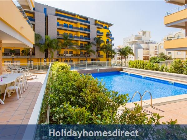 Varandas De Carteia, Apartment 150 Metres From Quarteira Beach: Pool