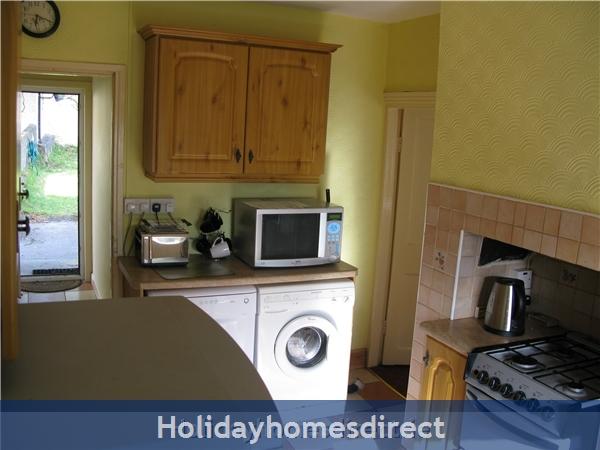 Old Farm Cottage, 3 Bed Holiday Home Sligo: Kitchen