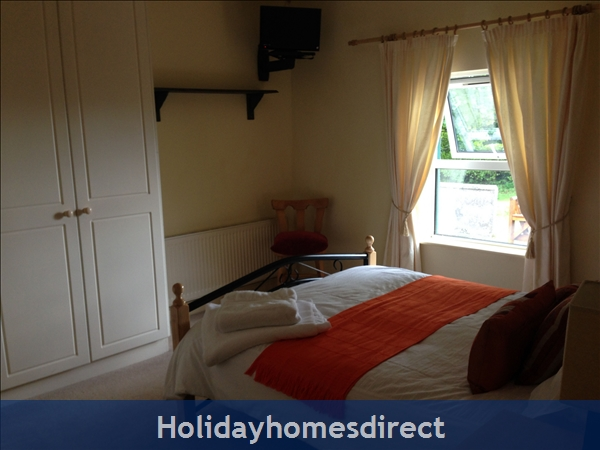 Old Farm Cottage, 3 Bed Holiday Home Sligo: Bedroom