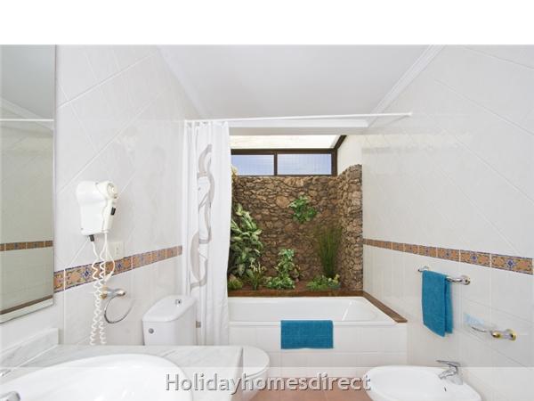 Villa Ani-lee, Villa In Tias: Bathroom
