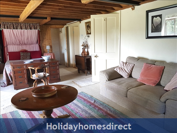 Granary Cottage .. Lots Of Character, Peace And Quiet And All The Mod Cons !: Relax in the en-suite Master Bedroom with a view
