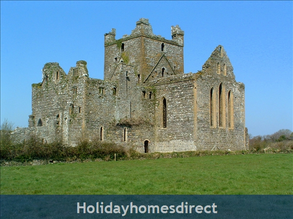 Granary Cottage .. Lots Of Character, Peace And Quiet And All The Mod Cons !: Dunbrody Abbey has a Visitor Centre