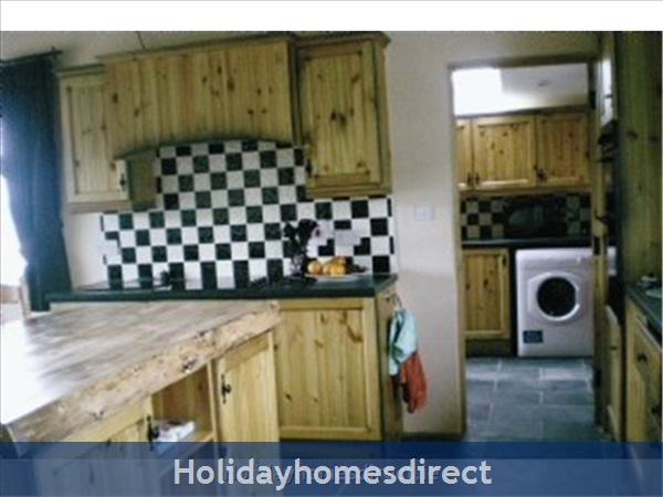 Self Catering Waterville, Kerry: Kitchen and Utility Room