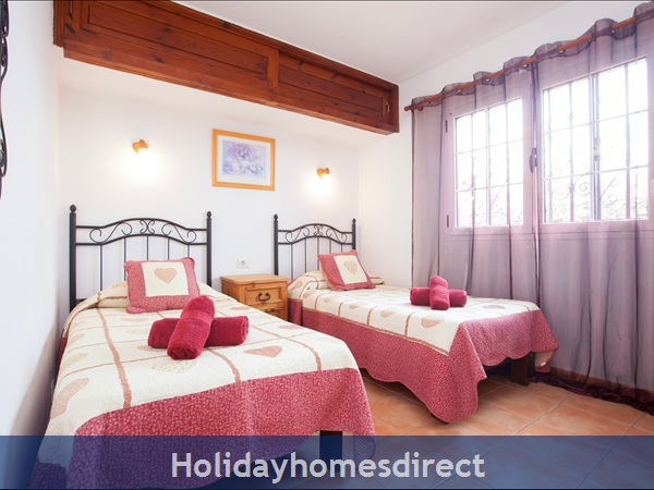 Casa Gegore With Private Pool, Old Town Puerto Del Carmen, Lanzarote: Gegore twin room