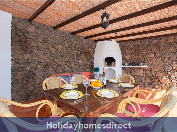 Casa Gegore With Private Pool, Old Town Puerto Del Carmen, Lanzarote: Covered, gated, large, dining terrace