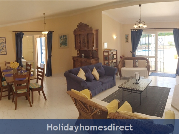 Casa Romantica Near Albufeira With Private Heatable Pool And Free Wireless Internet: Living Room