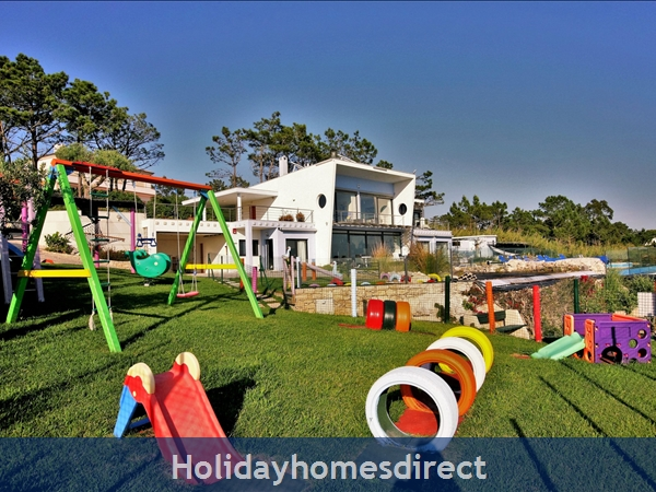 Large Luxury Silver Coast Villa, Free Pool Heating, Family Friendly: Transparent pool fence, for your peace of mind