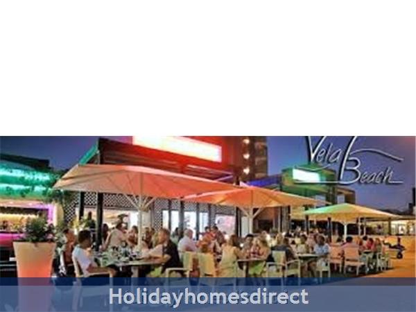 Gran Playa: Vela Beach, lovely restaurant right outside!