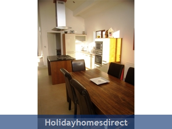 Hook View - Luxury Holiday Home In Dunmore East, Co. Waterford: Kitchen