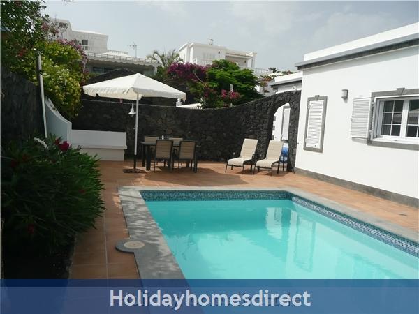 Villa Loretta With Private Pool, Puerto Del Carmen Old Town, Lanzarote: Villa Loretta pool