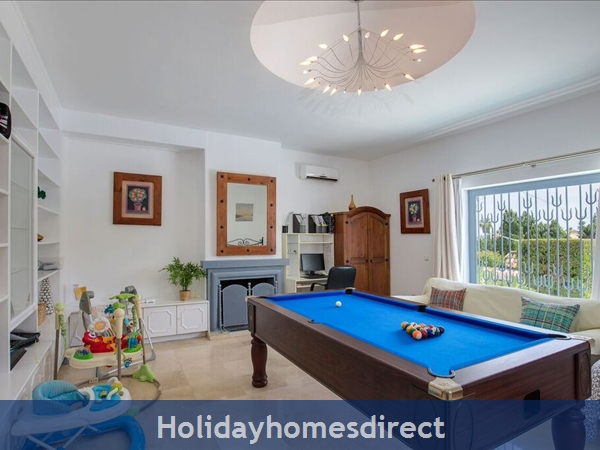 Palm Villa Tots Safe Villa In El Paraiso Visa Accepted + 4 Bed+ 3 Bath+ Play Area+ Heated Pool + Paddle Pool- Close To All Amenties No Car Needed-: this can be used as 5th bedroom it has double bed