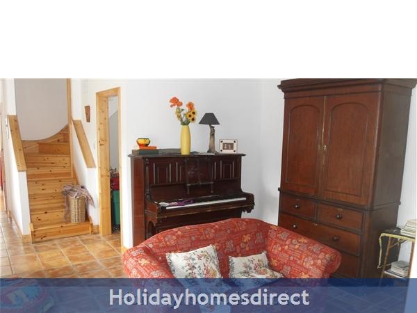 Moran's Lodge: Living room