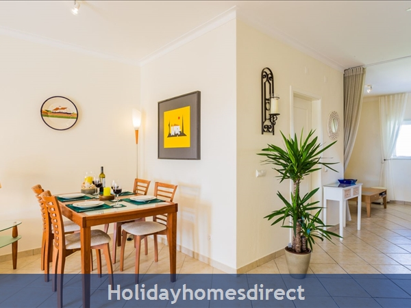 Home From Home - 3-bed Duplex (sleeps 7) Near Alvor & Beach (with Airconditioning): Spiral staircase to bedrooms