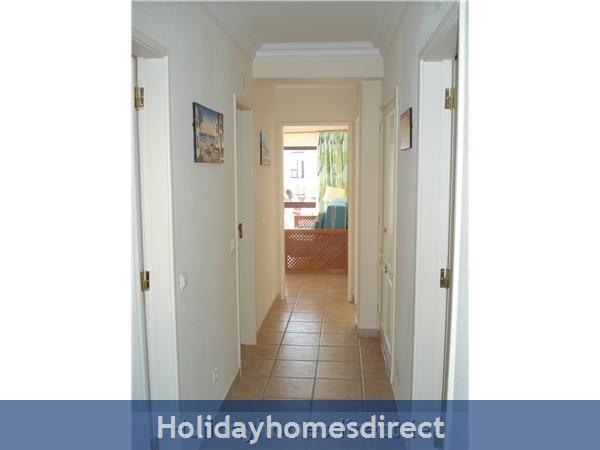 Mar Bel Sol, 2 Bedroomed Apartment, Vilamoura.  Licence No:14983/al: Image 8