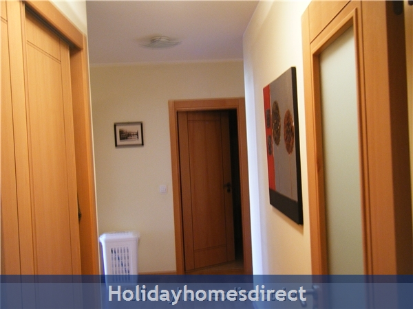 Ma Parthilia Alvor 3 Bedroom Apartment: Hallway
