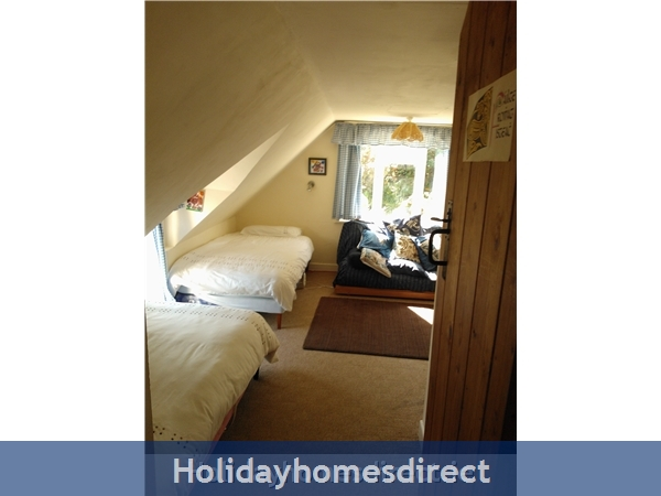 Catherdaniel Kerry Charming Holiday Cottage: Bedroom 1 upstairs