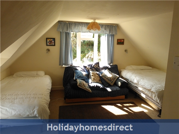 Catherdaniel Kerry Charming Holiday Cottage: Another view of bedroom 1