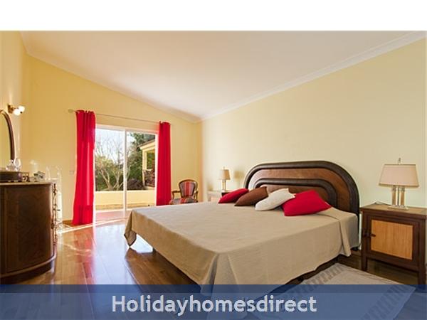 Villa Pineiros Albufeira Private Villa With Pool: Bedroom
