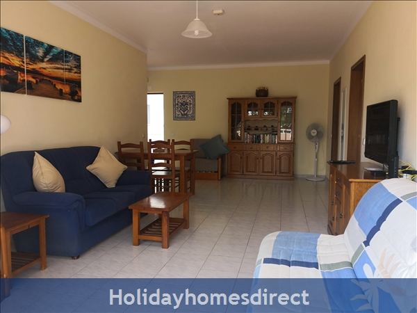 Maralvor: Spacious Lounge