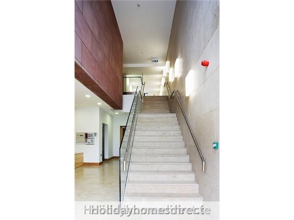 Apt 4 Pavillion View: Stairs