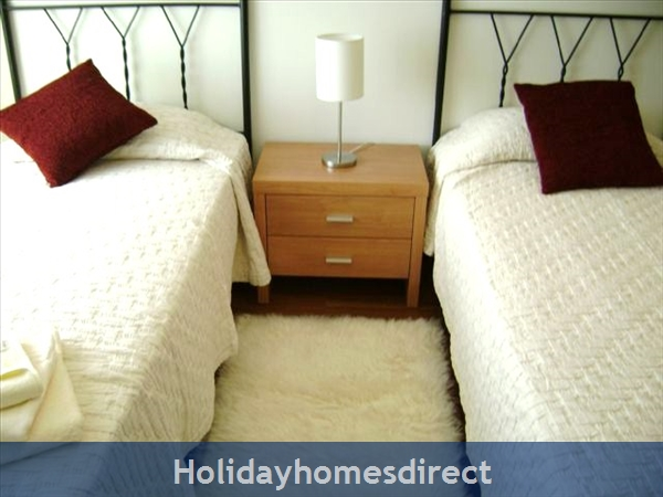 Parque Da Corcovada Ground Floor,luxury 2 Bedroom Poolside Apartment, Algarve: Image 9