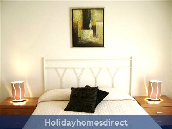 Parque Da Corcovada Ground Floor,luxury 2 Bedroom Poolside Apartment, Algarve: Image 7