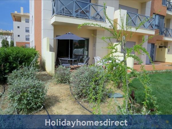 Parque Da Corcovada Ground Floor,luxury 2 Bedroom Poolside Apartment, Algarve: Poolside Terrace 2