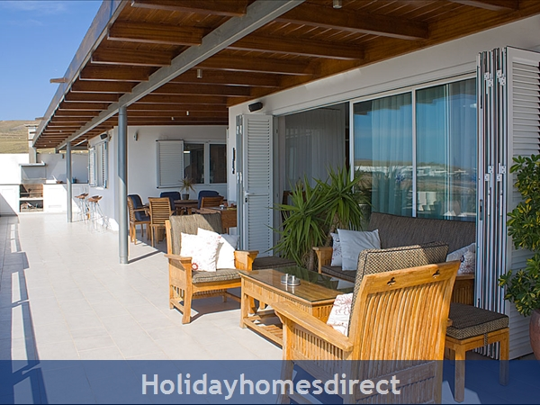 Buena Vida With Private Pool, Puerto Calero, Lanzarote: Upper terrace off the main lounge