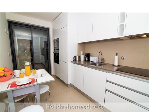 Cavalo Preto Beach, Beautiful 2 Bedroom, Wifi, Airconditioned Apartment Superb Sea & Pool Views (301) Fonte Santa Nr Quarteira, Vilamoura (113/12 Al): Image 4
