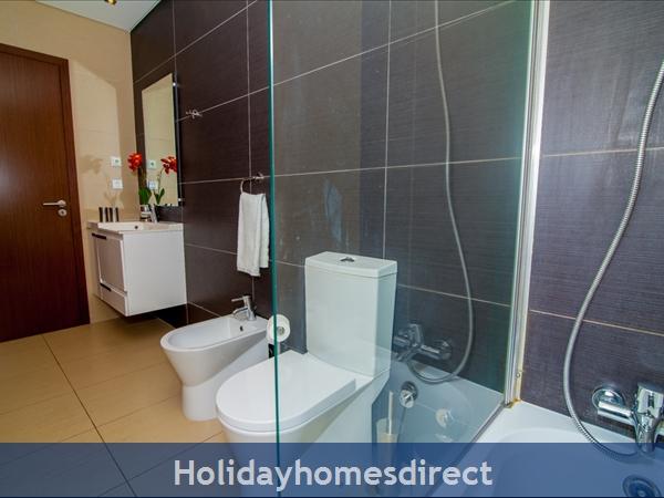 Cavalo Preto Beach, Beautiful 2 Bedroom, Wifi, Airconditioned Apartment Superb Sea & Pool Views (301) Fonte Santa Nr Quarteira, Vilamoura (113/12 Al): Image 8
