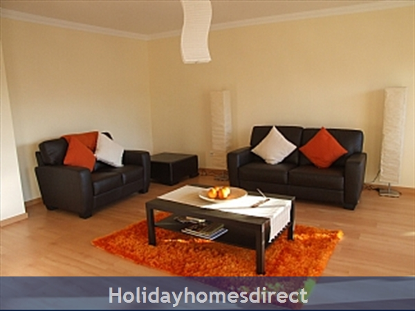 Spacious 3 Bed Alvor Apartment With Wifi, Aircon, Smart 50