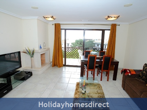 Falesia Beach, Delightful 2 Bedroom Apartment (9g) In The Exclusive Pine Sun Park Complex Nr The Beach& Nr Restaurants & Bars & Shops. (al/15821): Image 3