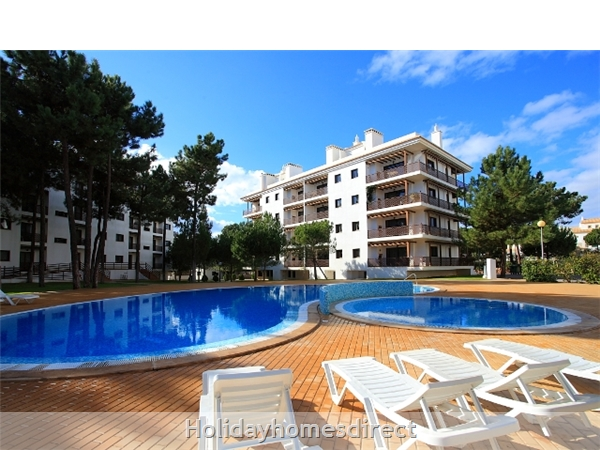 Falesia Beach, Delightful 2 Bedroom Apartment (9g) In The Exclusive Pine Sun Park Complex Nr The Beach& Nr Restaurants & Bars & Shops. (al/15821): Image 9