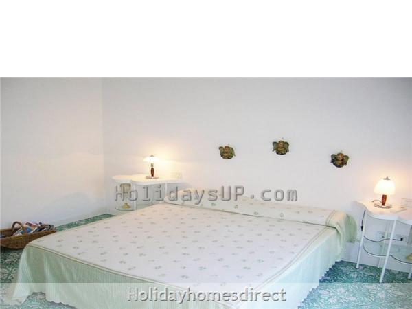 Bedroom sorrentovilla respire vacation homeletting