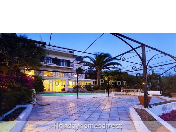 Terrace outside solarium and bbq sorrento villa