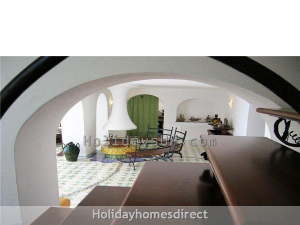 Sant'Agata sui due Golfi villa living area homeway