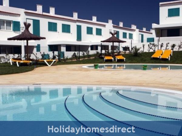 Prainha Village Alvor 4 Bedroom Villa With Pool: Pool area