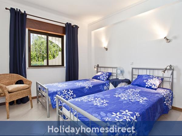 Apartment Aurora Mar, Carvoeiro, Algarve, Portugal: double bedroom