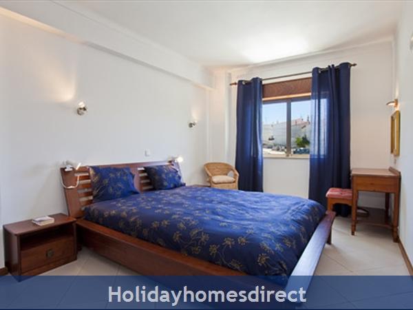 Apartment Aurora Mar, Carvoeiro, Algarve, Portugal: master bedroom