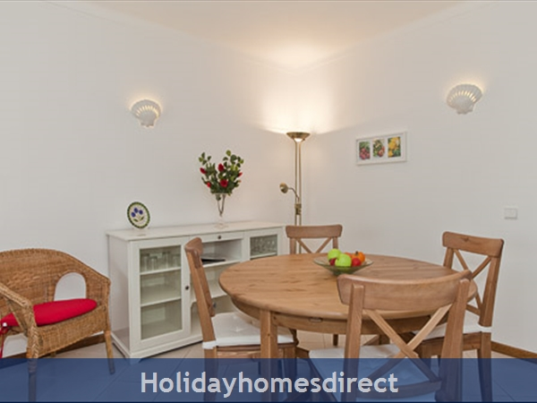 Apartment Aurora Mar, Carvoeiro, Algarve, Portugal: dining section