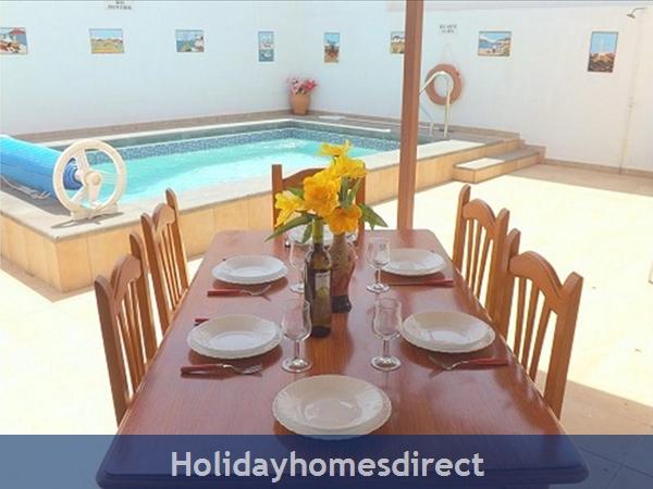 Villa Rupeta With Private Pool, Puerto Del Carmen, Lanzarote: Image 2