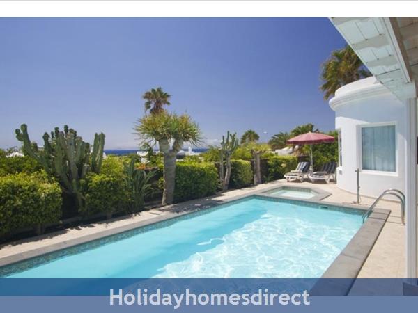 Villa Marqeusa With Private Pool, Puerto Del Carmen, Lanzarote: Image 2