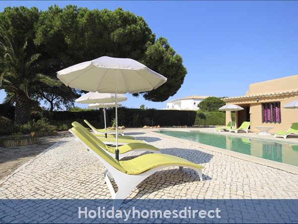 Villa Bibi.. Detached Private Villa With Large Pool And Lots Of Space.: Large Villa with Private Pool - walk to the beach