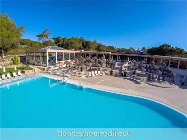 public swimming pool in Vilar do Golf in Portugal