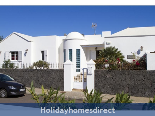 Villa Juanitas With Private Pool, Puerto Del Carmen, Lanzarote: Image 2