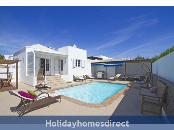 Villa Juanitas With Private Pool, Puerto Del Carmen, Lanzarote