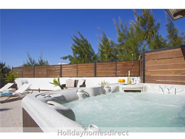 Villa Ocean View With Private Pool, Puerto Del Carmen, Lanzarote: Image 5