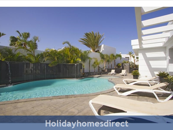 Villa Insignia With Private Pool, Puerto Del Carmen, Lanzarote: Image 4