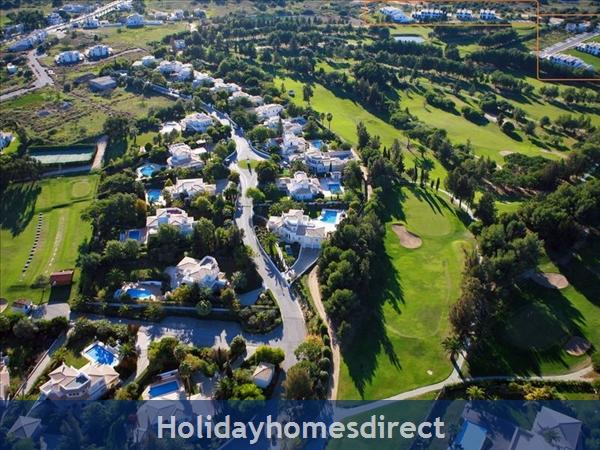Alto Fairways Alvor 2 Bedroom Air Conditioned Apartments: Image 2