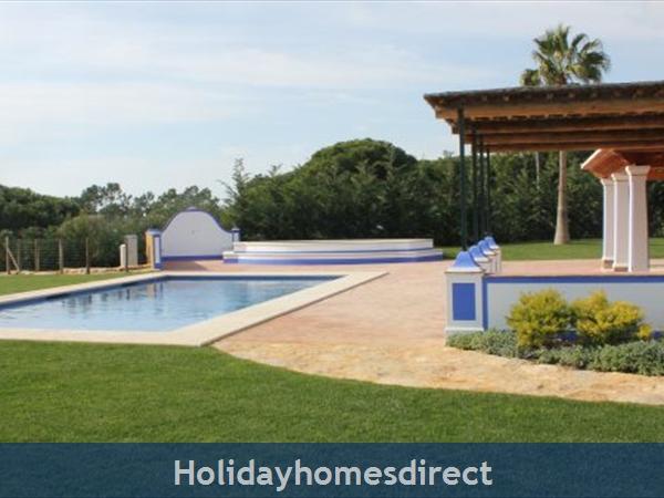 Villa Mirantos 2, Olhos De Agua, Albufeira: Image 7